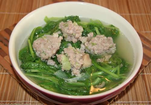 Canh cải xanh nấu thịt băm