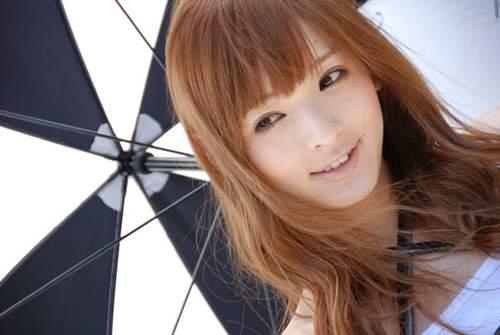 Kayo Satoh là khách mời của nhiều chương trình truyền hình Nhật Bản.