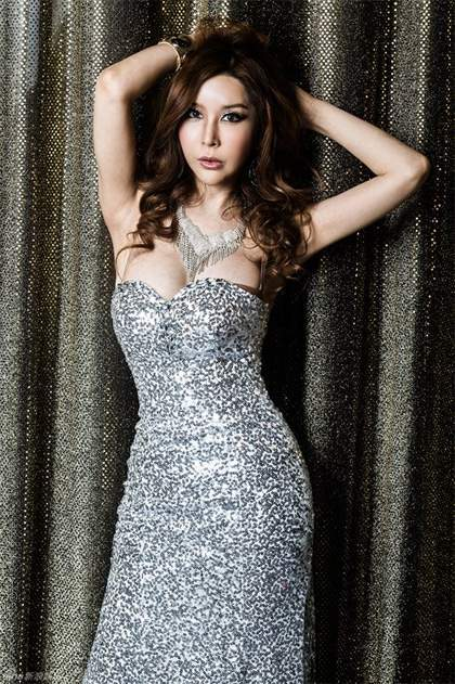 Harisu, ca sĩ chuyển giới thành công ở Hàn Quốc.