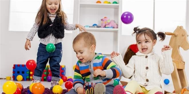 Nuôi dạy trẻ, trẻ nhõng nhẽo, mè nheo, chăm sóc trẻ, kinh nghiệm nuôi dạy con, tâm lý trẻ, trò chuyện, nghiêm khắc
