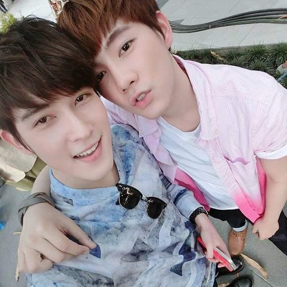 """Những cặp đôi đồng tính nam đẹp long lanh, """"hot"""" nhất châu Á 1"""