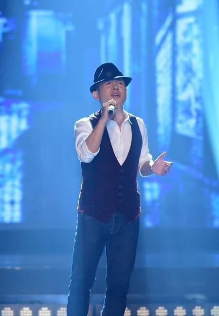 Sau đó là ca khúc do nhạc sỹ Huy Tuấn chỉ định và bài hát tự chọn: