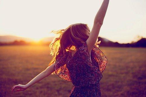 Hạnh phúc, tìm kiếm, tuổi thơ, lời mẹ dạy, tình yêu, quan niệm sống, bài học cuộc sống