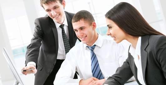 Nhân viên mới, công việc mới, đồng nghiệp, hòa đồng, kỹ năng trong công việc, trang phục, giờ giấc, lắng nghe, bí quyết thành công