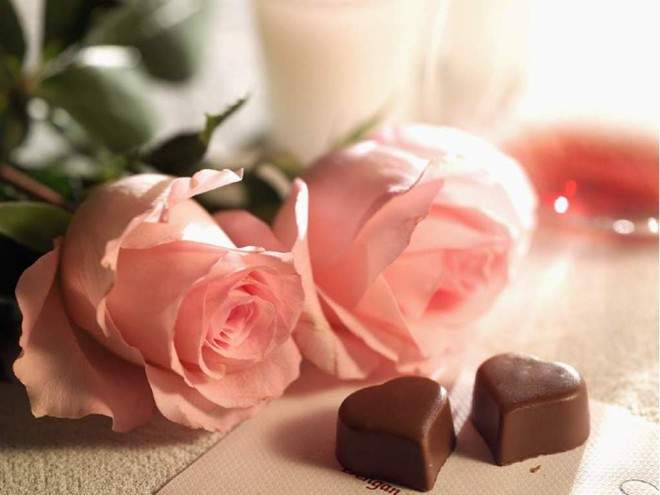 Cự Giải tặng món quà xinh xắn để giữ lửa tình yêu.