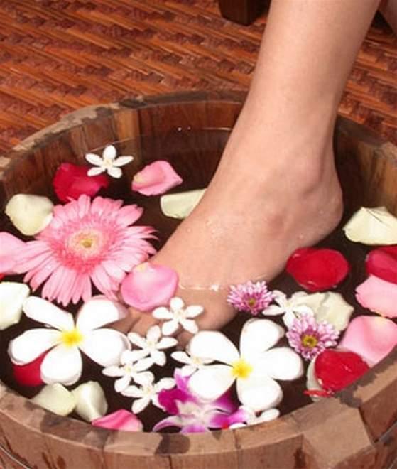 Chăm sóc chân, làm đẹp, làm đẹp mùa hè, dưỡng da chân, bí quyết làm đẹp