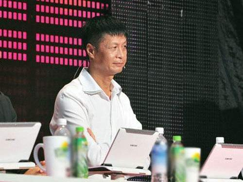 Lê Hoàng trên ghế giám khảo.