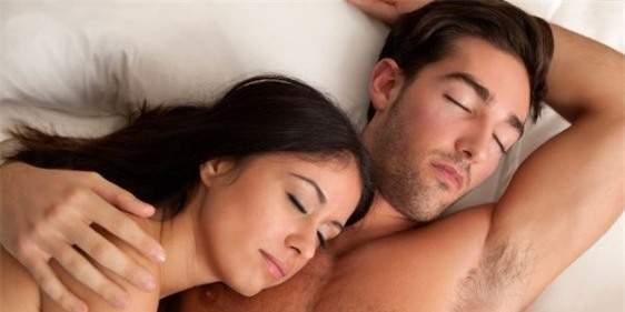 quan hệ vợ chồng, phòng the, tư thế ngủ, sex, cách ngủ, sex khi ngủ, đời sống chăn gối, bí quyết yêu, mặn nồng