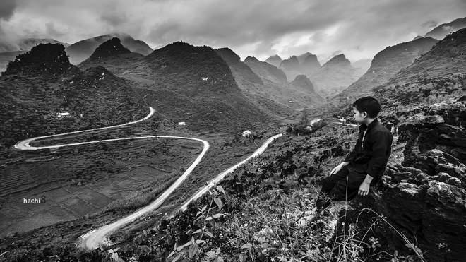 Dốc chữ M, trên đường từ Yên Minh tới Mèo Vạc.