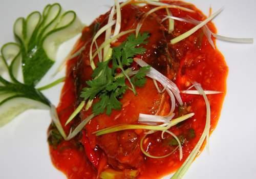 Đậm đà cá thu chiên sốt cà chua