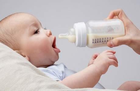 tăng cân ở trẻ, dinh dưỡng, tăng trưởng, dinh dưỡng, sữa mẹ, nhẹ cân, thừa cân, tiêu chảy,
