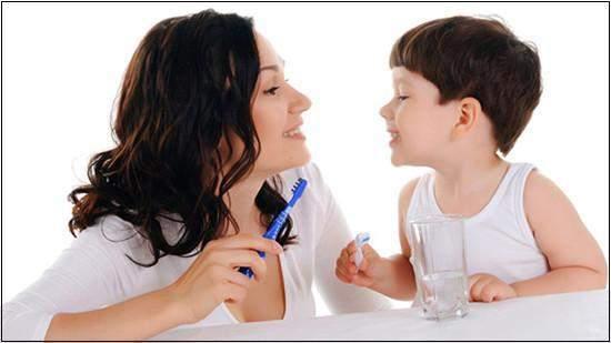 chăm sóc, rang miệng, trẻ nhỏ, răng sữa, gạc ẩm, lau miệng, uống nươc lọc, đánh răng, sâu răng, khám nha sĩ
