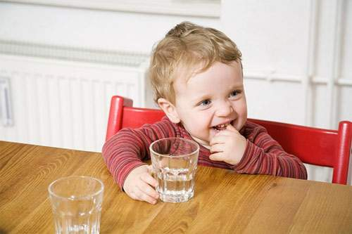 Kết quả hình ảnh cho Nên cho trẻ ăn những gì để bảo vệ răng