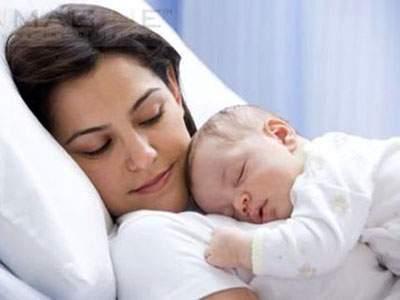 mang thai, vết mổ đẻ cũ, sinh mổ, chậm kinh, tử cung, đau bụng dưới, rau cài răng lược, nứt sẹo mổ,