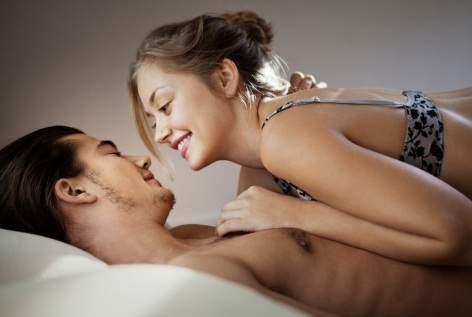 tình dục bằng miệng, oral sex, kích thích, khoái cảm, lây nhiễm bệnh, hiv, ung thư vòm họng, tình dục an toàn, bao cao su