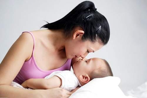 mang thai, nuôi con bằng sữa mẹ, tiết sữa sau sinh, thai kì, sữa mẹ, lợi ích, prolactin, oxytoxin