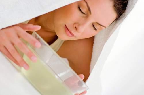 ốm nghén, nguyên nhân, nôn, buồn nôn, Hormone nội tiết hCG, khứu giác nhạy cảm, tiêu hóa, khắc phục, thai kỳ