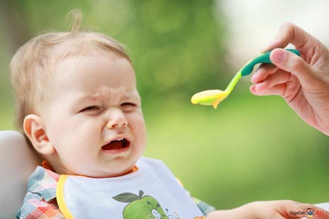 Những sai lầm khi cho bé ăn dặm và hậu quả khôn lường