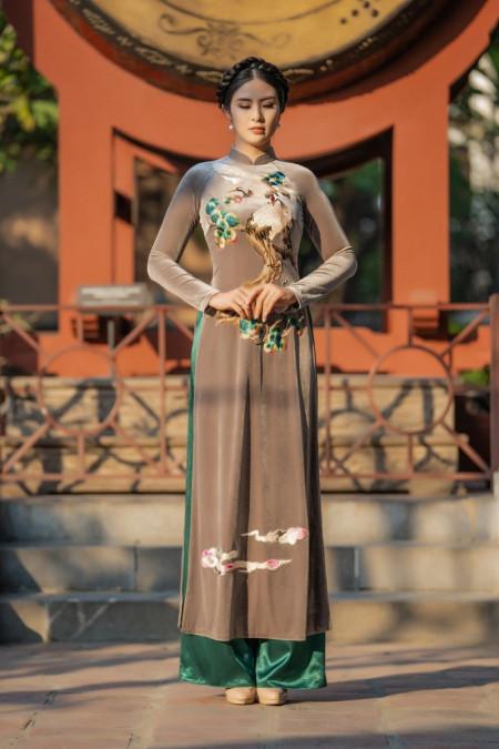 hoa hậu ngọc hân, áo dài, chất liệu nhung the, áo dài cách tân