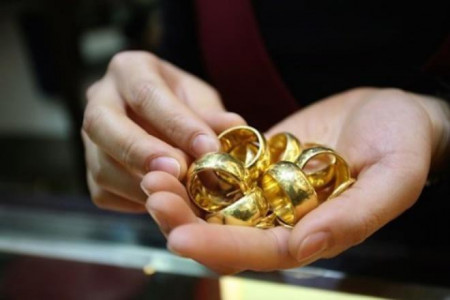 tình yêu gia đình, giá vàng, giá vàng tăng, mua vàng