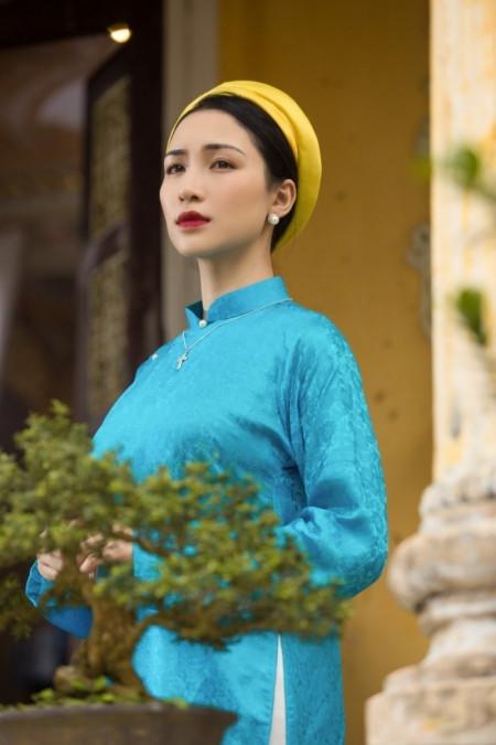 """Công Phượng lấy vợ gia thế """"khủng"""" bậc nhất Sài thành, Hòa Minzy giờ ra sao?"""