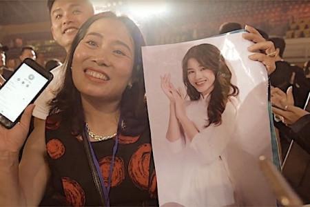 Bố và chị gái tiết lộ bất ngờ về tân Hoa hậu Việt Nam 2020