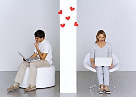 """Yêu nhau có phải cứ """"xa mặt"""" là """"cách lòng"""" hay không?"""