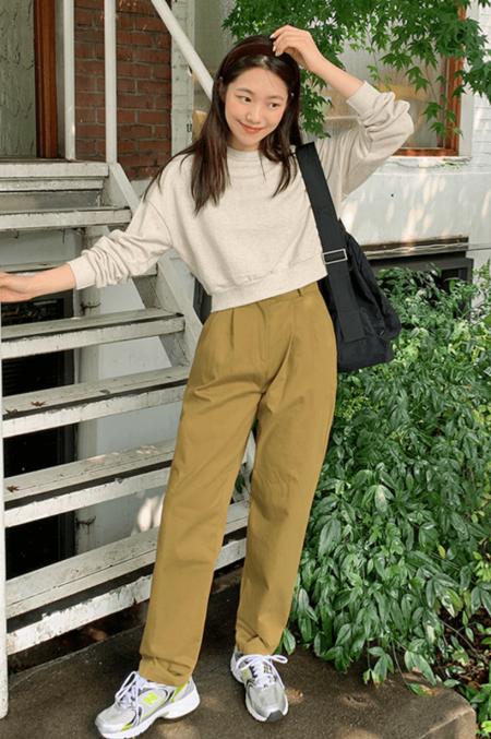 4 kiểu áo mix với quần ống suông sẽ cho bạn phong cách thanh lịch đầy khí chất4 kiểu áo mix với quần ống suông sẽ cho bạn phong cách thanh lịch đầy khí chất