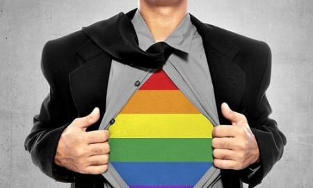 Con công khai yêu người cùng giới, bố mẹ nên làm gì?