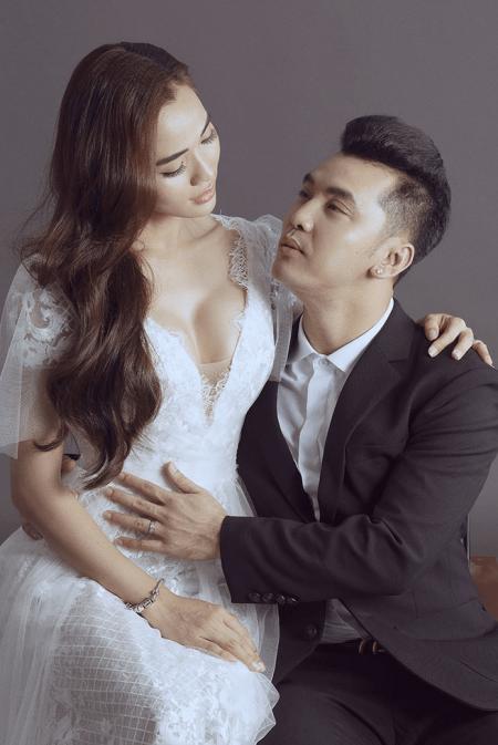 Vợ Ưng Hoàng Phúc: Tôi tự hỏi chẳng lẽ cuộc đời tôi lấy chồng mà tàn phế như thế này sao?
