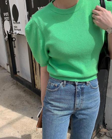 Hot trend năm nay là lên đồ màu xanh lá, nhưng mặc sai quy tắc này là sai 1 ly đi vạn dặm đấy...