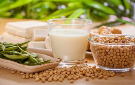 Bệnh nhân ung thư có được ăn đậu phụ, uống sữa đậu nành?