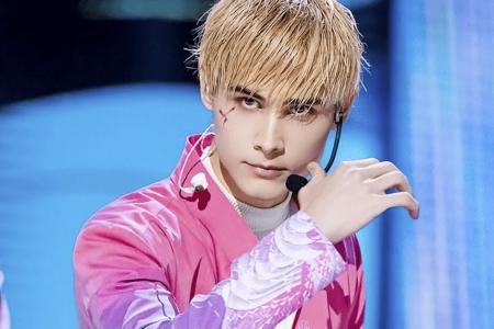 Tại sao nam người mẫu Nga Lelush không thể đứng quá 5 phút trên sân khấu?
