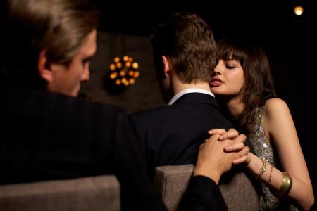 Tại sao đàn ông ngoại tình dễ được tha thứ hơn phụ nữTại sao đàn ông ngoại tình dễ được tha thứ hơn phụ nữ