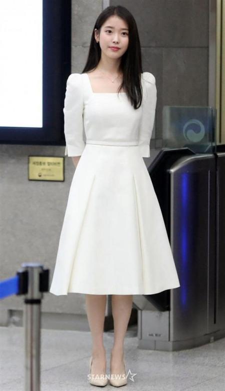 4 mẫu váy được nàng thấp bé IU mê diện nhất: Toàn những kiểu xinh và hack dáng tài tình