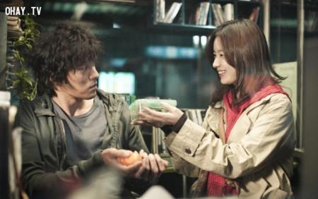 Bạn có chấp nhận lấy một người tuy nghèo nhưng rất yêu bạn không?