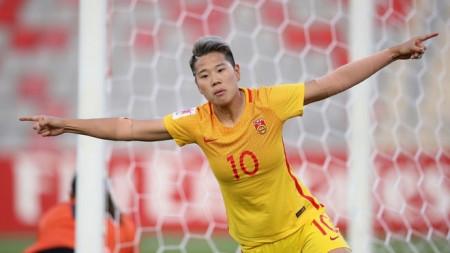 Nữ cầu thủ Trung Quốc bị tấn công vì công khai đồng tính