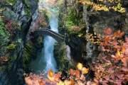 cây cầu Gorge De L'areuse là điểm đến đáng chú ý nếu bạn có dịp tới Thụy Sĩ.