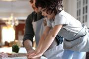 Sự giúp đỡ của người đàn ông trong gia đình sẽ khiến cuộc hôn nhân của họ hạnh phúc hơn