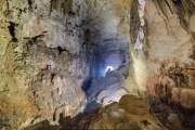 """Bạn đang đứng trên đỉnh một măng đá mang tên """"Bàn tay của chó"""" cao 70 m được hình thành qua hàng nghìn năm."""