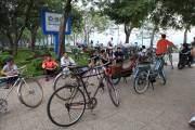 Con đường bao quanh Hồ Tây hiện là điểm đạp xe lý tưởng vào những dịp cuối tuần.