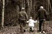 Khi cha mẹ bạn (ông bà lũ trẻ) khen ngợi khả năng nuôi dạy con cái của bạn.