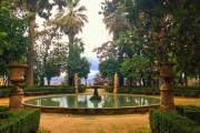 Khu vườn cổ kính thuộc thành phố Granada, Tây Ban Nha.