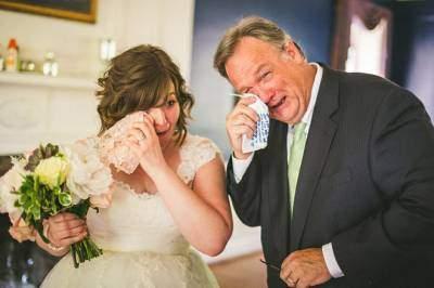 Những cảm xúc đặc biệt của cha vào ngày trọng đại trong đời con gái là lời nhắc nhở về ngày của bố (21/6 năm nay)
