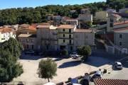 thị trấn xinh đẹp ở Italy, Thị trấn Ollolai, rao bán nhà ngôi nhà giá 1 bảng anh, cua so tinh yeu