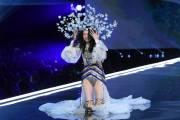 Victoria's Secret Fashion Show 2017, victorias secret fashion show 2017, ming xi, cua so tinh yeu