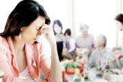 lạc lõng, cuộc sống nhà chồng, bổn phận làm con, gần gũi chăm sóc, chân thành