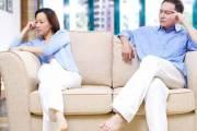 kinh tế sa sút, cãi nhau, ít về nhà, ly hôn đơn phương, chai tài sản, nợ nần, tiền phạt
