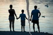 tư vấn tình yêu hôn nhân gia đình, có bé trai được đầy tháng, gây gổ cự cãi, bất thình lình vợ con đòi li dị, con sẽ có quyền và nghĩa vụ gì với vợ và con của con, gia đình nhỏ của con sắp đổ vỡ rồi