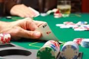 chồng cờ bạc, cá độ, mâu thuẫn vợ chồng, thiếu niềm tin, nợ nần, hôn nhân gia đình, chịu đựng, cửa sổ tình yêu